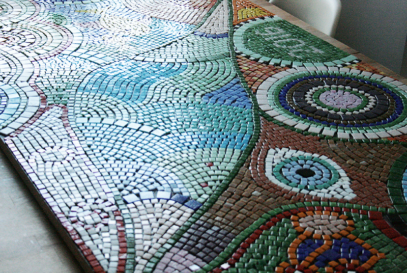 Das Monster Projekt Der Mosaik Tisch A Red Apple
