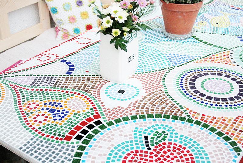 mosaik fliesen tisch selber machen wohn design. Black Bedroom Furniture Sets. Home Design Ideas